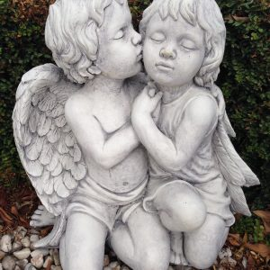 Angels Kissing 2