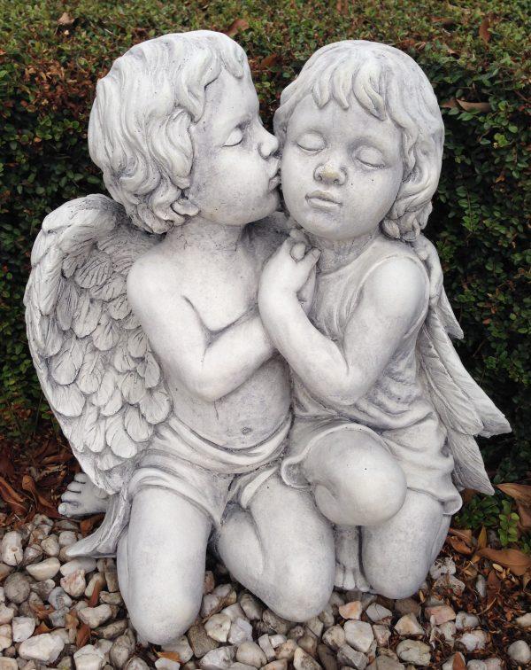 Angels Kissing 2
