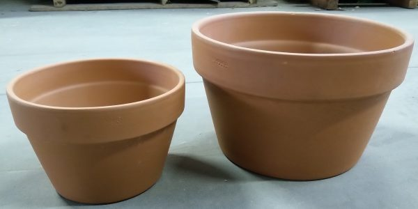 brown pots